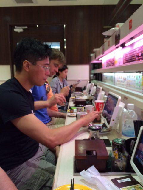 Zum Sushi gibt es digitale Medien. Oder umgekehrt?