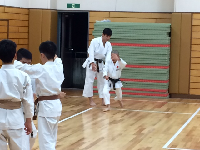 Kinder-Karate-Training mit Naka sensei