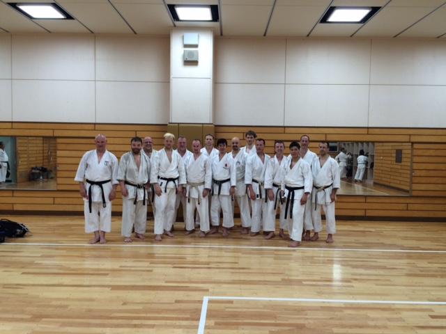 Gruppenfoto mit Naka-Sensei