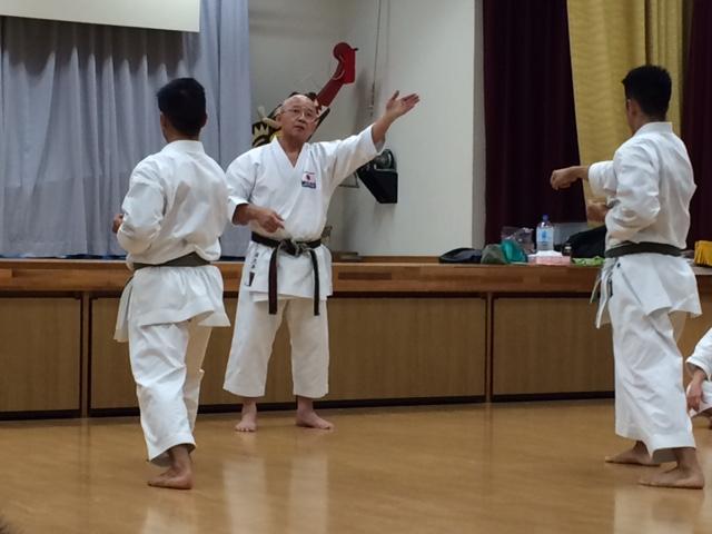 Sakumoto-Sensei mit seinen Kader-Athleten
